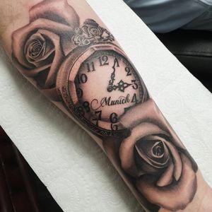 #tattoo #tattoos #tattooist #tattooartist #blackandgrey #blackandgreytattoo #realistictattoo #realismtattoo #blackandgrey #blackandgreytattoo #pocketwatch #pocketwatchtattoo #clocktattoo #clock #munich #rose #roses #flowertattoo #flower #point2point #tattoostudio #erith #kent #southlondon