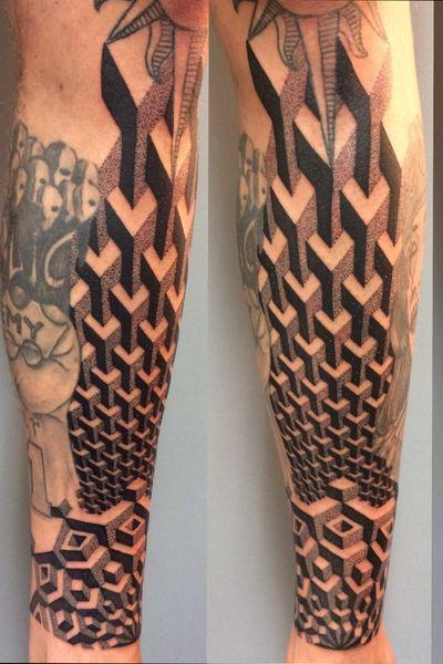 Geometry with a twist really enjoyed making this tattoo! #geometry #geometric #3d #pattern #mandala #sacredgeometry #maryjane #maryjanetattoo #stockholm #tatueringstockholm