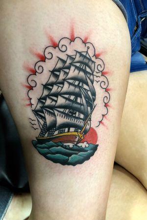 #revengetattoo #revengetattooparlour #spaudingandrogers #sailorjerry #sailorjerrytattoo #traditional #traditionaltattoo #traditionaltattoos #americantraditional #flashtattoo #ship #shiptattoo #newyork #amsterdam