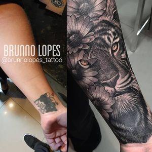 TATUADOR: @brunnolopes_tattoo (instagram) ENDEREÇO SANCTTUM TATTOO COMPANY QI 27 BLOCO A SALA 227 - (ao lado da QUALIFORMANCE LOJA DE SUPLEMENTOS ). EDIFÍCIO GUARA SHOPPING - GUARÁ 2 - BRASÍLIA /DF (Prédio do peixe na rede / Chiquinho sorvetes) 📱(61) 996167007 (WhatsApp) @sancttum (Instagram ) Horário de funcionamento Seg- sex : das 10 às 20 horas Aos sábado das 10 às 16 horas #tattoo #tatuagem #brasilia #brasil #napraia #tevejonapraia #praia #verao #sol #cadaumcomseutalento #vivacomatitude #miami #miamiink #florida #floridatattoo #floridatattooartist #pompanobeach #pompano #pompanotattoo #orlando #orlandoflorida #orlandotattoo #tattoo2us #tattoo2me