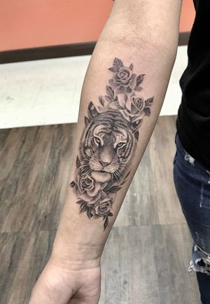 ➡️Make appointment instantly. Feel free to contact us for more info !!! Thank you for looking Text/call: (832) 745 3351 (626)425 8829 📍12970 westheimer rd houston, TX 77077👌#houstontattooandbrowsstudio #houstontattoos #houstontattoo #houston #westheimer #austintattoo #texastattoo #austintattooartist #texastattoo #lousianatattoo #lousianatattooartist #houstontattooshop #houstontattooed #dallastattooartist #dallastattoos #westheimer #tattoo #houston #tattooeyebrows #ink #linetattoo #lineworktattoo #blackwork #tattooink #tattooshop #colortattoos #colortattooartist #713 #tattooist #tattooideas #minitattoo #houstonstylist
