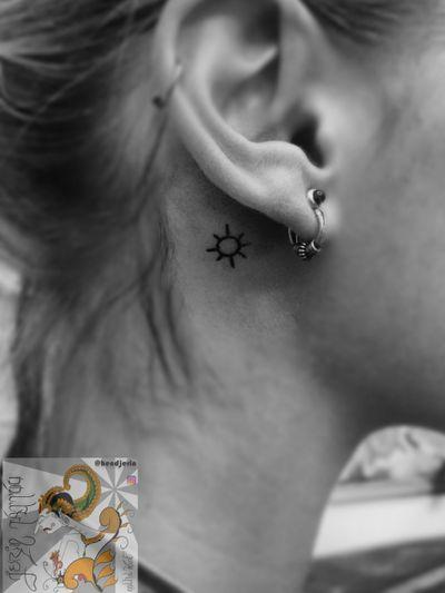 Did this Small minimalist symbol tattoo. . . . #tattooist #tattoo #tattoodesign #tattooartist #tattooart #berlintattoo #berlintattooist #berlintattooartist #indonesiantattooartist #lineworktattoo #cleanlinestattoo #minimaltattoo #meaningfulltattoo #tattoer #tattoolovers #customstattoo #tatau #inked #hendjerin #berlinfinest #berlin #moontattoo #smalltattoos #finelinetattoo #minimalisttattoo #simpletattoo #tattoofromberlin #symboltattoos