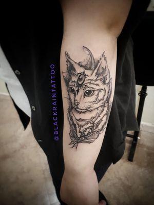 1 session 3 hours #cat #graphictattoo #gothictattoo #darktattoo #blacktattoos #odessa #ukrainetattoo #tattooartist