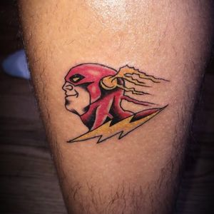 A Quick Flash for my brotha George. Always a great time when he comes in #syfitattoos #comicbook #theflash #smalltattoo #color #traditional #superhero #colorful #simple #brooklyn #nyc