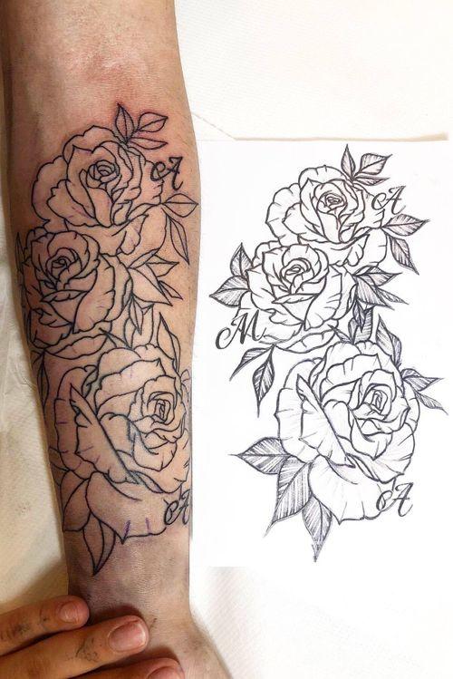 Prima seduta terminata!💪🏻 #rose #rosetattoo #rosetattoos #tattoo #tattoos #tatuaggio #tatuaggi #milano #milan #milantattoo #tattoomilano #black #blackink #cheyenne #cheyennepen #phantera #phanteraink #ink #inktattoo #ninetyninetattoo #my #mywork #work #mypassion #passion