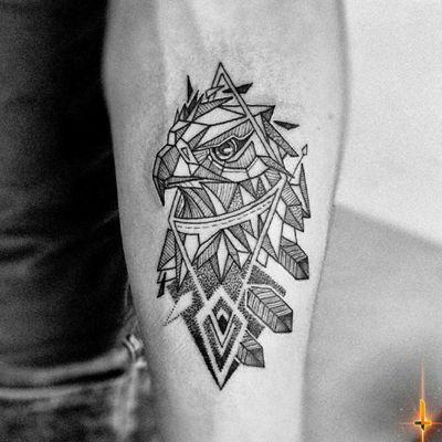 Nº857 #tattoo #tattooed #ink #inked #biyswithtattoos #eagle #eagletattoo #geometry #geometric #geometrictattoo #blackwork #blackworktattoo #dotwork #dotworktattoo #stencilstuff #dynamiccolorco #dynamiccolor #dynamicink #fkirons #spektrahalo2 #hummingbirdcartridges #bylazlodasilva Not my design.