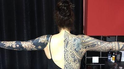 @westend.tattoo_wien #wientattoo #viennatattoo #wienwestendtattoo #back tattoo #maoritattoo #polynesiantattoo #blackline tattoo #hibiscus tattoo #cover up tattoo #fullarmtattoo #linerosetattoo