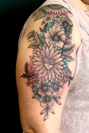 #floral #blackandgrey #watercolour