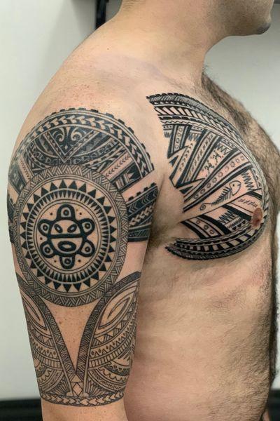 Maori Tribal #maoritattoo #maori #upperarm #sleeve #chesttattoo #blackwork #blacktattoo
