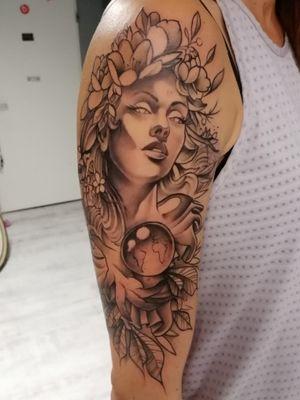 #tattoo #neotraditional #greywash #cheyenne #dynamic #ink #kwadroncartridges #gaia #flowers