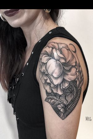 Recently done at Olbia tattoo convention #flowergirl #lovenature#wispers#magic#darkartist#blackwork #blackandgrey