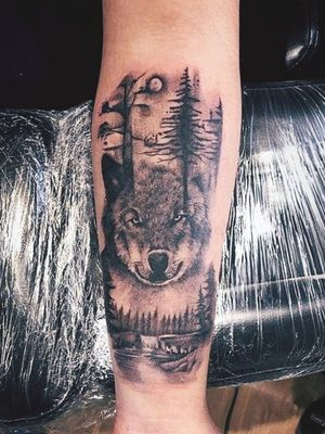 Love tattooing wolves 💛