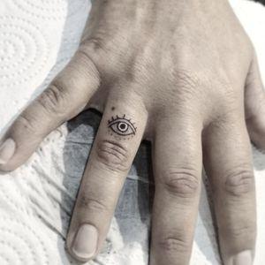 """All-seeing eye"" ▪ #тату #всевидючеоко #trigram #tattoo #allseeingeye #inkedsense"