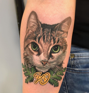A pretty little kitty named Wormwood I tattooed the other day at @gritnglory 😸😸😸