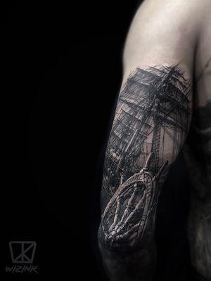 Sailing Black and Grey