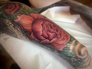 Awesome day @un1ty.tattoo on the very lovely Mel! #wip #peacocktattoo #un1ty #joharrison #modernbodyartuk #fusion_ink #hustlebutterdeluxe #hustlebuttercbdluxe #tattoodo