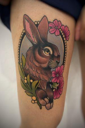 Conejo para mariana #Lapazbolivia #eternaltattoobolivia #newtraditional #boliviantattooer #rabbittattoo #thesolidink #hltattoomachines #tattoo #tattooart #blackclawneedles
