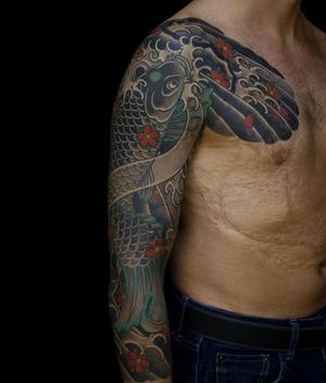 Наличие большого шрама ещё не повод отказываться от татуировки! Как мы знаем шрамы украшают мужчин, а мужчина со шрамом, да ещё и с татуировкой!!! Это сверхМэн!