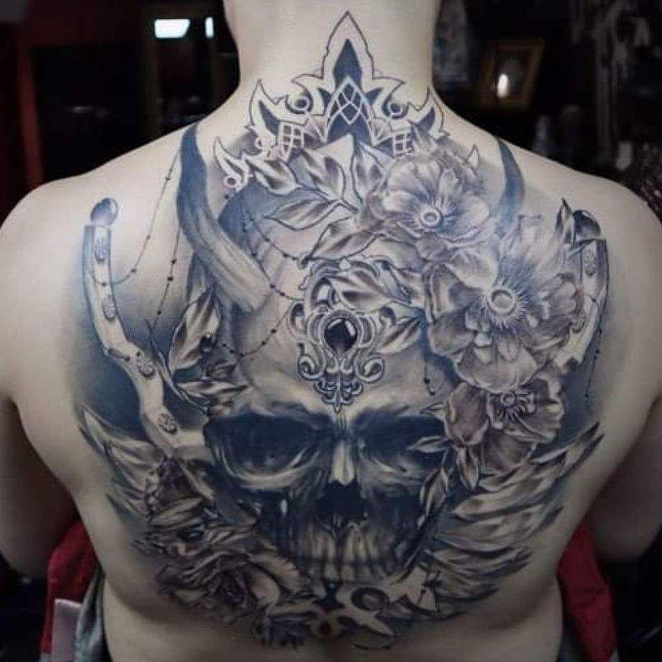 Finally!?One of the favorite work I done in this year ?? Demonic skull on the whole back framed with decrepit flowers ? I love it! Thank you Lala for the trust and you made me truly happy of this tattoo??That's exactly what happens when you book up all yo
