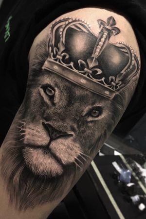 Blackandgrey lion king