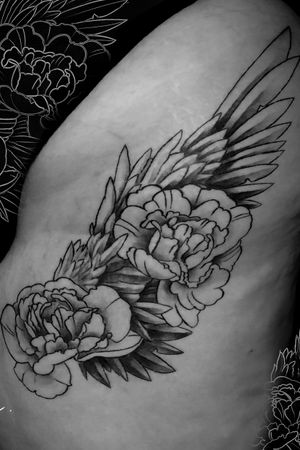 Instagram: @rusty_hst #healed Custom wing and peony piece. #blackandgrey #peony #floral #flower #flowers