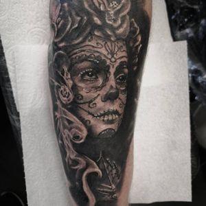 #LaCatrina 💀 . . . . . . . . . #MrWhiteSnakeTattoo #electrumstencilprimer #Bakutattoo #tattoouk #portsmouth #art #tattoo #inked #ink #totaltattoomagazine #SkinDeep #FreshlyInkedMag #portsmouth #portsmouthtattoo #southamptontattoo #portsmouthtattoo #poland #southampton #hampshiretattoo #tattooed #tattoos #tattooartist #tatuaz #muerte #muertetattoo #skulltattoo #graywash