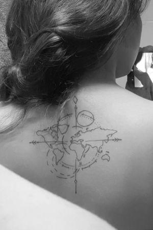 #brujula #mapa #viajandopelomundo #lineas #espalda