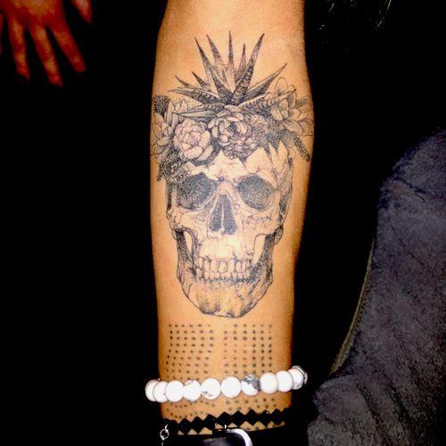 More skull ufine line