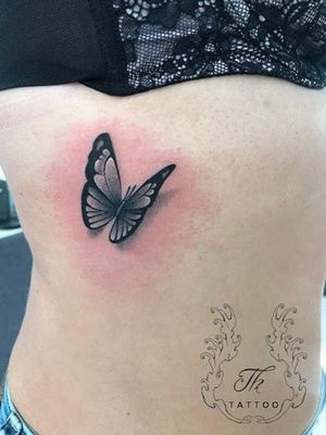 Butterfly tattoo #tattoo #buterflytattoo #tatuajfluture #tatuajebucuresti #tatuajefete #inkedgirls www.tatuajbucuresti.ro