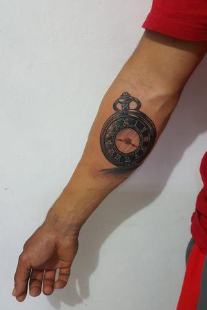 Watch tattoo #blackandgreytattoo #realismtattoo #panamacity #panamacityflorida #dinamicink #criticaltattooequipment #stencilanchored #creative
