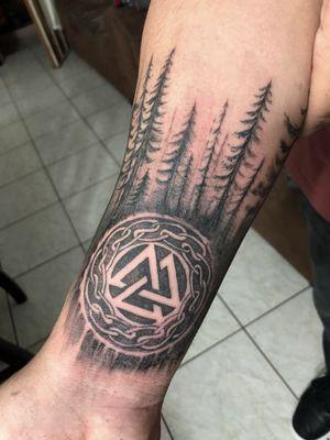 Diseño Celta / Inktense Tattoo CR #inktensetattoocr #costaricaink #tattoo #tattooart #nordic #NordicTattoo #odin #bodyart