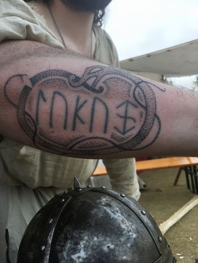 Hand poked Viking dragon ( runes not mine) #handpoke #handpoketattoo #dot #dotwork #dots #vikingdragon #dragon #snake #vikingsnake #valhalla #viking #vikingtattoo #vikingtattoos #reykjavik #reykjaviktattoo #iceland #icelandtattoo #rune #runetattoo #runes #retual #retualtattoo #scared #scaredtattoo #poke #tattoo #sleeve #sleevetattoo