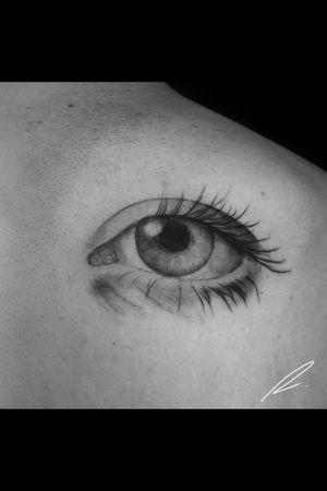 Instagram: @rusty_hst Realistic eyes #eyes #blackandgrey #realism #blackandgreyrealism #realistictattoo