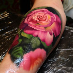 A rose tattoo I made at the Bay Area tattoo show in San Francisco.  #tattoo #tattoos #ink #inked #tattooidea #tattooideas #amazingtattoos #realismtattoo#femininetattoos #tattoodesign #besttattoos #amazingtattoo #superbtattoos #fusionink #tattoodo #tattoodooapp   #lizvenom #floraltattoo #rosetattoo #tattoorose #edmontontattoo #edmontonink #skinartmag #rose #roses #floral #color #colour #realistic #realism #3d