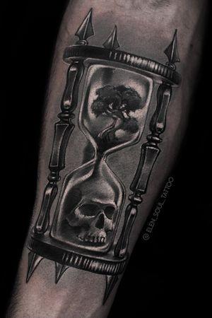 Tattoo by Elen Soul #ElenSoul #sandclock #time #skull #tree #life #death