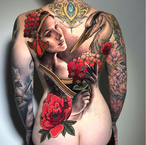 Thank you so much @londontattooconvention and @mikivialetto for this amazing event . Here is the result of a 3 day collaboration between @solemn.tattoo and myself ,still a few hours to go! Huge thanks to @christellesouverbietattoo for sitting like a champ 💪🏻 and my team @hemera_tattoo @facethefacades @ola.kaya . —— done with @fkirons @worldfamousink @dermalizepro @tattoodo . @lovelesstattoo