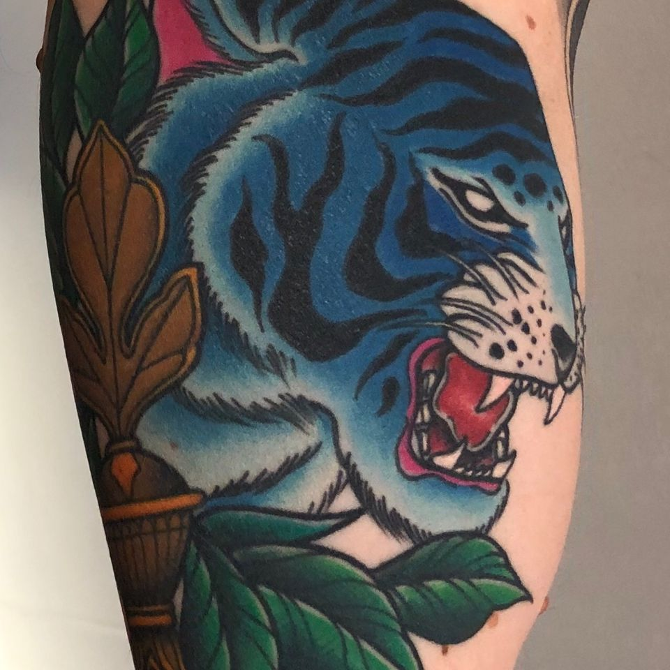 tattoo by Alessandro Giacomel #AlessandroGiacomel #tiger #traditional #leaves #blue #animal #cat #junglecat
