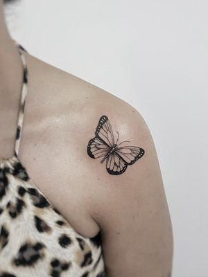 #butterflytattoo #butterfly #womantattoo #tatuagemfeminina #tatuagemdelicada