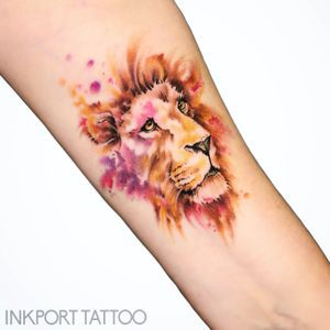 Howling wolf by @inkporttattoo #Москва #lioness #lion #moscowtattoo #space #акварельтату #moscow #watercolor #usa #tattoomoscow #татуировка #watercolortattoo #inkporttattoo #watercolortattoos #abstract