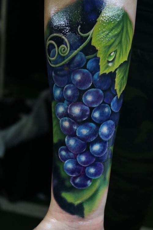 A really fun still life piece I got to work on at the Victoria tattoo convention in beautiful BC  #tattoo #tattoos #ink #inked #tattooidea #tattooideas #amazingtattoos #realismtattoo#femininetattoos #tattoodesign #besttattoos #amazingtattoo #superbtattoos #fusionink #tattoodo #tattoodooapp   #lizvenom #floraltattoo #rosetattoo #tattoorose #grapetattoo #fruittattoo #foodtattoo #foodtattoos #tattoofood #edmontontattoo #edmontonink #skinartmag