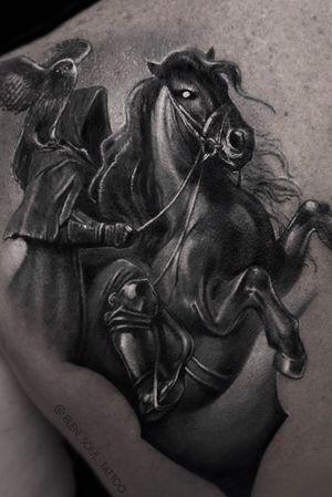 #blackandgray #blackhorse #owl