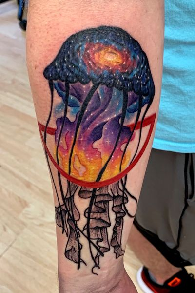 Color/ dotwork jellyfish #jellyfish #colorful #colortattoo #watercolor #watercolortattoo #space #galaxy #dotwork #dotworktattoo #geometric #geometrictattoo