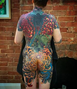 My homegirl @tessa_hancock_tattoo back . Just about finished. She a tough Lady who does killer tatts too. @progressiontattoo #tattoodo #tattoodoambassador #cobrastylez #backpeicetattoo