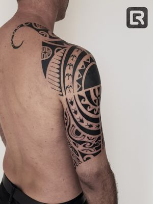 #raskinstyle  #black #freehand #Polynesian #coverup