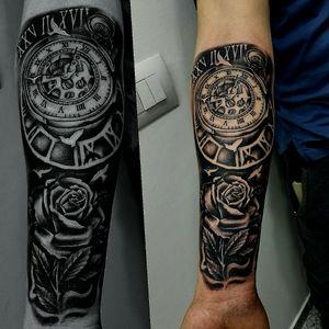 #clocktattoo #rosetattoo #sleevetattoo #blackandgreytattoo #tattooartistmagazine #tattooartist #tattooart #tattooidea #tattoo #tatoo #tato #tatu #tatouages #tatouage #tatuaje #tatuagem