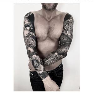 MATCH POINT. Nice match with the lovely @diamante_murru thank you. #btattooing #blackboldsociety #blacktoptattooing #BLXCKINK #oldlines #tattoosandflash #darkartists #tattoosandflash #topclasstattooing #darkartists #thebesttattooartist #japanesetattoos #irezumitattoo #horimono #tatuaggiogiapponese #orientaltattoos #irezumcolletctive #waterlawtattoobutter #tattoodo #tattoodoambassador
