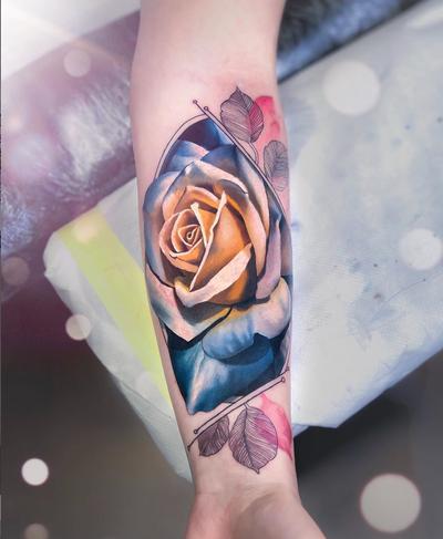 Thanks for coming to get tattooed Frauke ! #chrisrigonitattooer #chrisrigoni #tattoo #rose