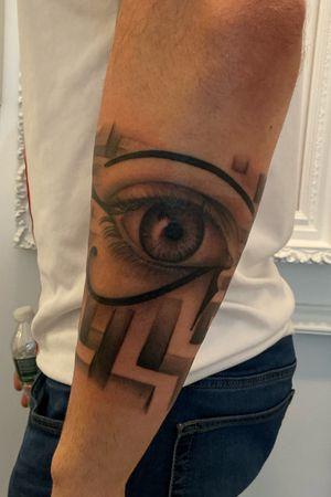 eye of horus on Fabio