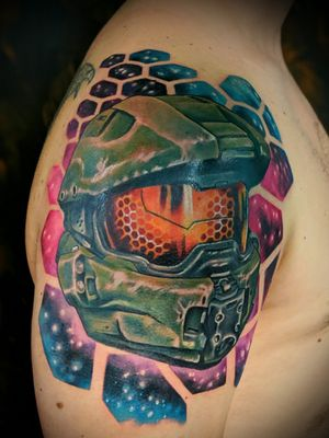 Master chief from Halo Serina Malec @twiggytattooer recently completed!  More video game tattoos please! Maybe Borderlands? Email me at  twiggytattooer@gmail.com @tattoometamorphosis @metamorphosistattoosideshow . . . #coloradoart #coloradotattooartist #coloradotattoo #coloradoartist #tattoo #tattooartist #lyonscolorado #longmonttattoo #longmontcolorado #bouldertattoostudio #boulderartgallery #bouldercoloradotattooshop #boulder #bouldertattoo #bouldertattooartist #bouldercolorado #estesparkcolorado #coloradotattoostudio #gamer #gamertattoo #gamerink #halo #halotattoo #masterchief #masterchieftattoo #borderlands #borderlands3 #nerdytattoos #gamerink #gamertattoo