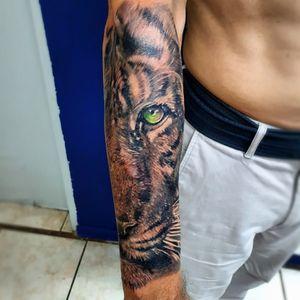 Black and grey tiger tattoo #eternalink #tiger #tattoo #tattoolife #inked